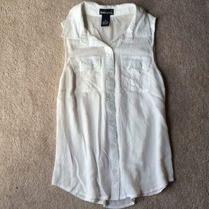 Wet Seal collared sleeveless shirt